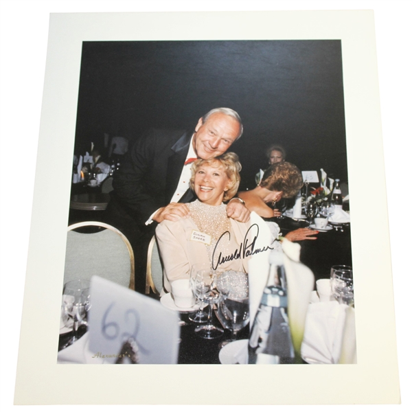 Arnold Palmer Signed Alexander's Dinner Photo with Dinah Shore PSA/DNA #AG01104