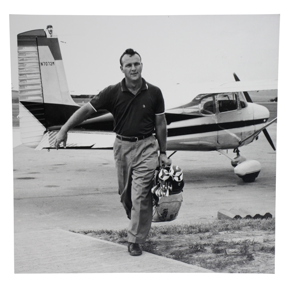 Arnold Palmer B&W 16x16 Matted Photo Carrying Golf Bag with Clubs Leaving Plane